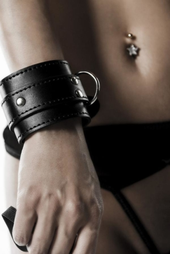 five-part Bondage Set by Grey Velvet