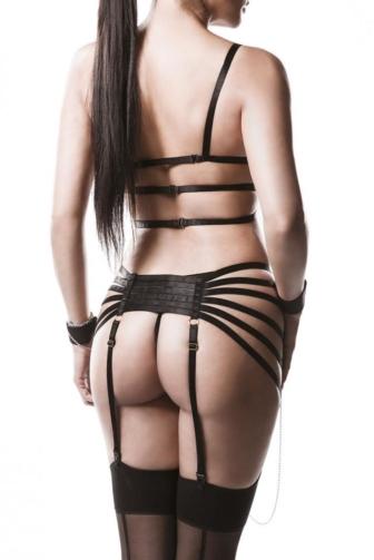 four-part Garter Bandage Set by Grey Velvet